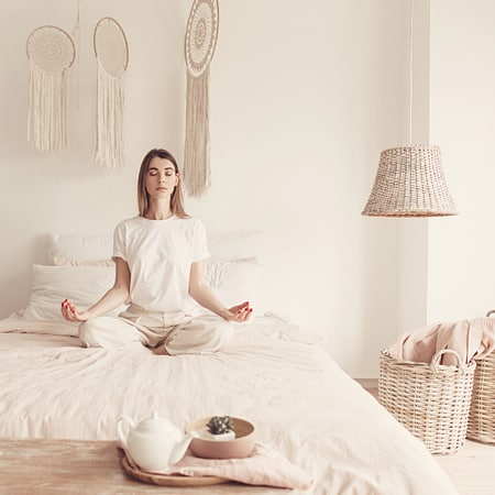 Can I meditate in bed?