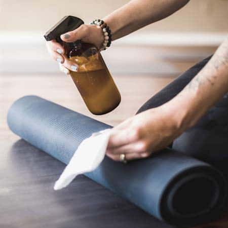 How to make yoga mat cleaner