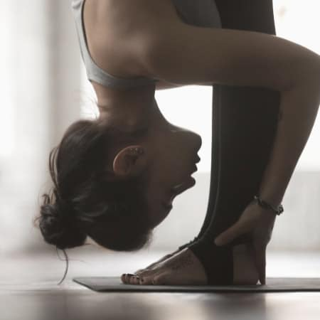 how to practice mindfulness on yoga mat